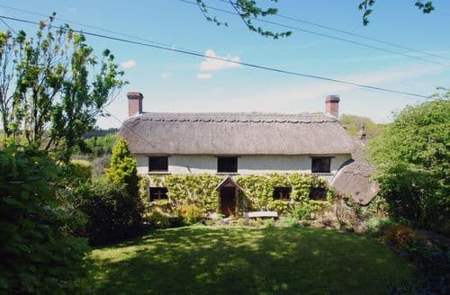 Last Minute Cottages - Lovely Riddlecombe Cottage S96051