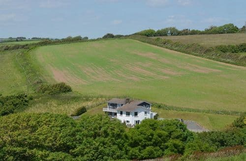 Last Minute Cottages - Ayrmer House