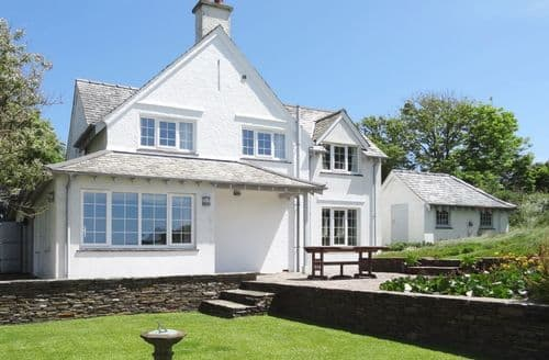 Last Minute Cottages - Ayrmer Path