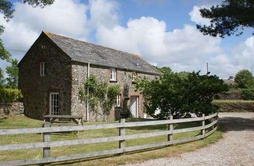 Last Minute Cottages - Trewethern Barn