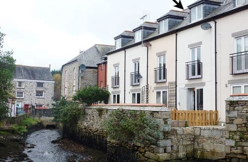 Last Minute Cottages - Luxury Penryn Cottage S96313