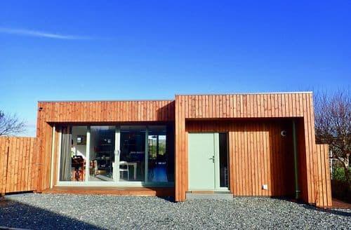 Last Minute Cottages - Candlecroft HQ