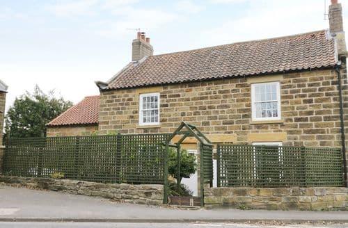 Last Minute Cottages - Luxury Cloughton Cottage S98306