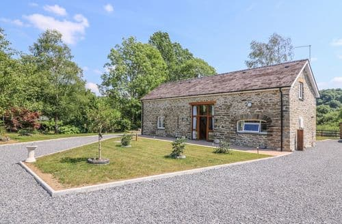 Big Cottages - Cilgwyn Bach