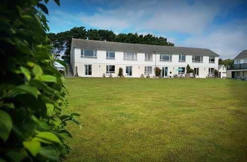 Last Minute Cottages - 4 Brightland Apartments