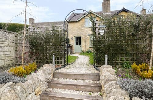 Big Cottages - Superb Bourton On The Water Cottage S97117