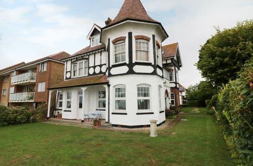 Last Minute Cottages - Superb Frinton On Sea Cottage S126177