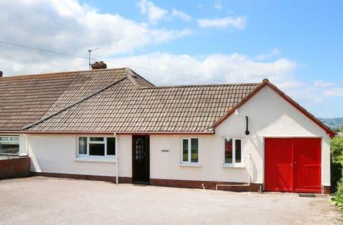 Last Minute Cottages - Exquisite Chapel Cleeve Cottage S101311