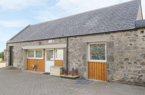 Last Minute Cottages - Muiryhall Steading