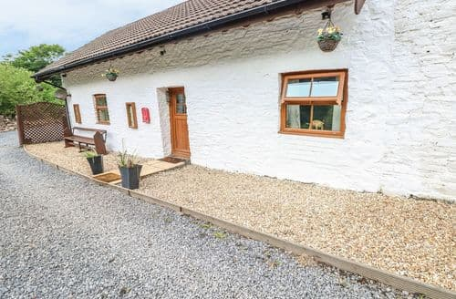 Last Minute Cottages - Attractive  Cottage S101312