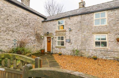Last Minute Cottages - East View Cottage