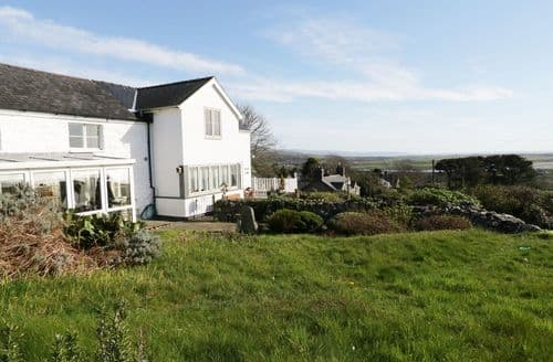 Last Minute Cottages - Gorgeous Llanfair Cottage S98219