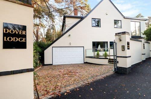 Big Cottages - Charming Poole Cottage S133129