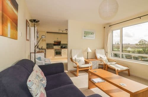 Last Minute Cottages - Wonderful Bude Cottage S124053