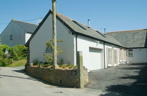 Last Minute Cottages - Wonderful Crantock Cottage S98537