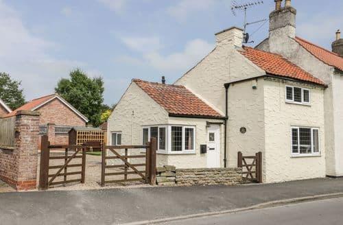 Last Minute Cottages - Wonderful Kilham Cottage S102965