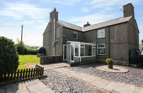 Last Minute Cottages - Gorgeous Bontnewydd Cottage S101187