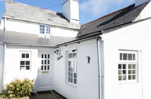 Last Minute Cottages - Excellent Trewint Cottage S100939