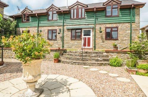 Last Minute Cottages - Quaint Gladestry Cottage S102875