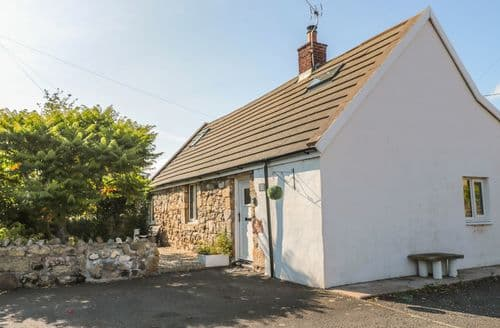 Last Minute Cottages - Lindisfarne Cottage
