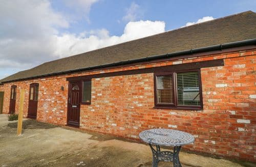 Last Minute Cottages - Farnold House