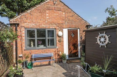 Last Minute Cottages - Quaint Easington Cottage S105325