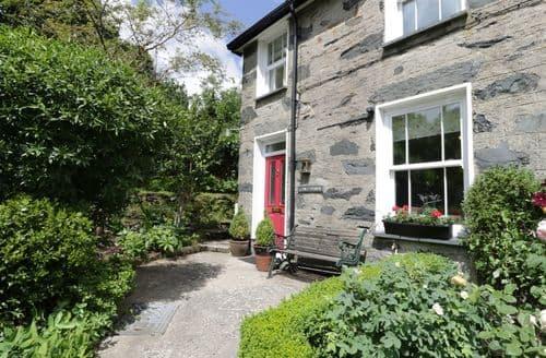 Last Minute Cottages - Luxury Beddgelert Cottage S104324