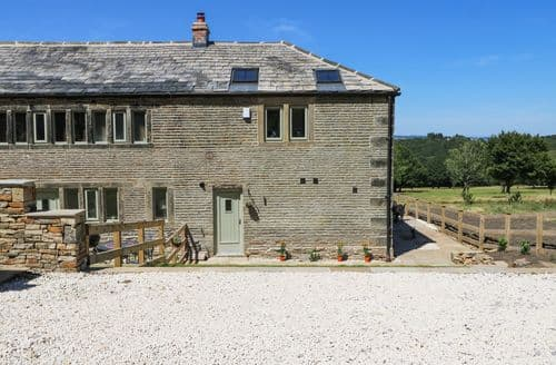 Last Minute Cottages - Adorable Meltham Cottage S105117