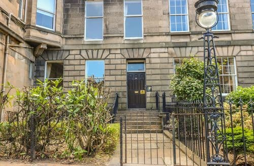 Last Minute Cottages - 3 Lynedoch Place