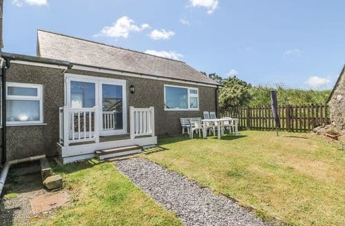 Last Minute Cottages - Mur Cwpwl Cottage