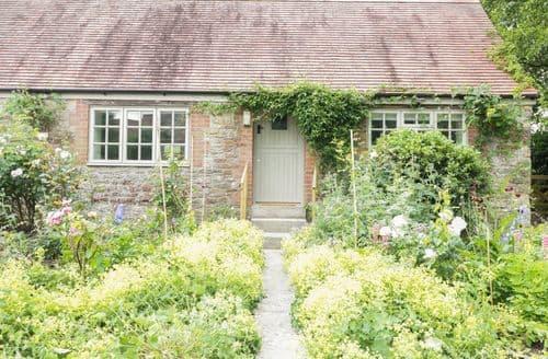 Last Minute Cottages - Captivating Stoke Trister Cottage S105397