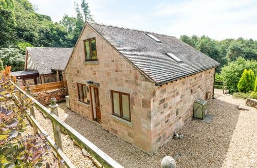 Last Minute Cottages - Beautiful Biddulph Moor Cottage S114278