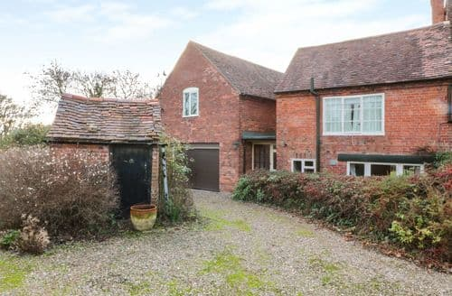 Last Minute Cottages - Beautiful Broadheath, Worcestershire Cottage S127806