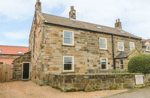 Last Minute Cottages - Street House Cottage