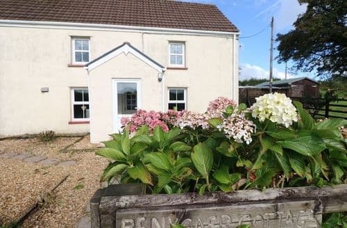 Last Minute Cottages - Inviting Llanboidy Cottage S121875