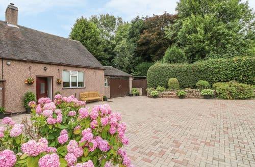 Last Minute Cottages - Farley Cottage