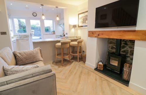 Last Minute Cottages - Plas Mawr Cottage