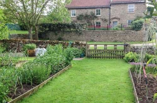 Last Minute Cottages - Mill Farm House