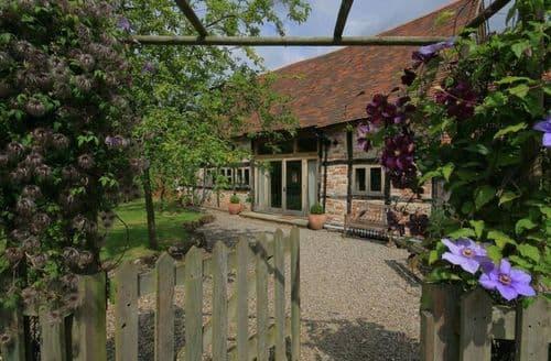 Last Minute Cottages - Whites Farm Barn