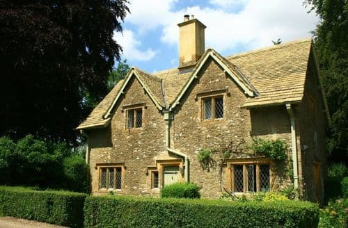 Dog Friendly Cottages - The Lodge, Notgrove