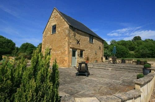 Dog Friendly Cottages - Tallet Barn