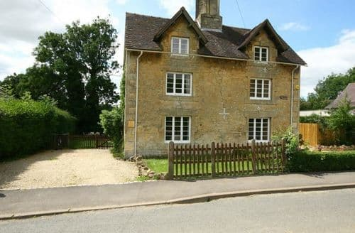 Last Minute Cottages - Inviting Chipping Campden Cottage S125854