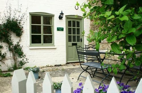 Dog Friendly Cottages - Honeysuckle Cottage