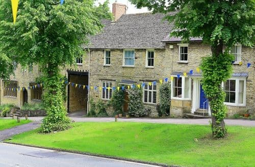 Last Minute Cottages - Luxury Burford Cottage S125880