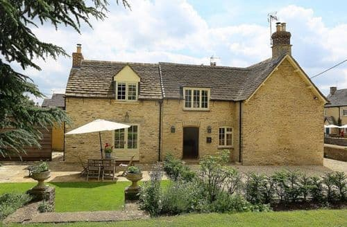 Dog Friendly Cottages - Number 11, Hollywell