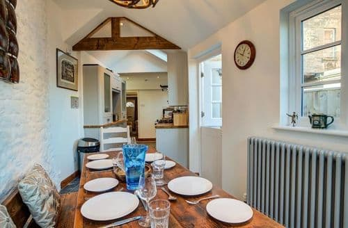 Last Minute Cottages - Beautiful Cirencester Cottage S125953