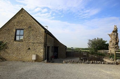 Last Minute Cottages - The Old Oak Tree Barn