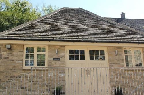 Last Minute Cottages - Inviting Burford Cottage S125965