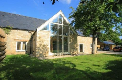 Last Minute Cottages - Lovely Burford Cottage S125972