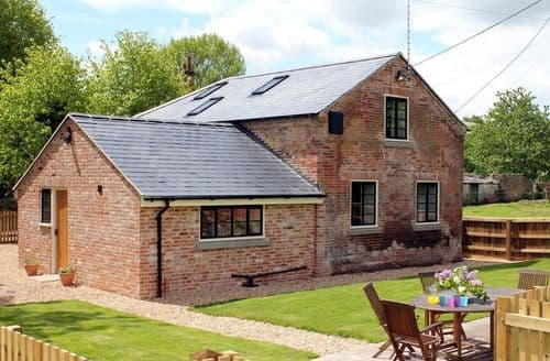Last Minute Cottages - Attractive Upavon Cottage S123165
